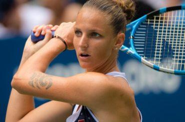 Tenista Karolina Pliskova vence a Simona Halep y logra las semifinales de China
