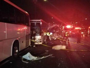 Un choque entre autobuses deja al menos 13 muertos en el centro de México