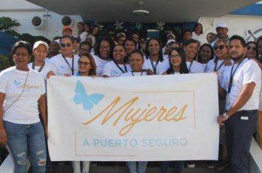 Empleados Autoridad Portuaria Dominicana marchan contra feminicidios
