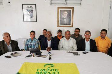 FRENTE AMPLIO PRESENTA SUS CANDIDATOS EN SANTIAGO