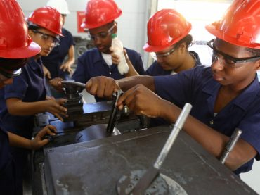 En los jóvenes residen la energía y la fortaleza necesarias para impulsar transformaciones que la humanidad necesita: Danilo Medina