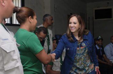 """Karen Ricardo: """"En nuestra gestión cumpliremos la meta de declarar RD libre de analfabetismo"""""""