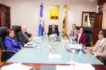 La JCE acoge decisión TSE; devuelve casilla 3 a PRD en boleta electoral