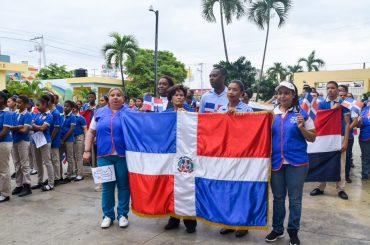 Defensor del Pueblo realizó acto y caminata en conmemoración del 207 aniversario del natalicio del patricio Juan Pablo Duarte