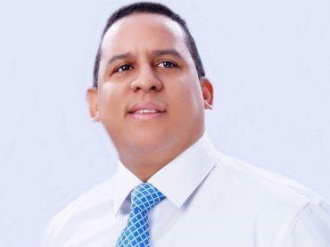 Vicepresidente del CMD, doctor Faringthon Reyes, consideró presidente Medina quedó lejos de la meta en materia de salud en RD