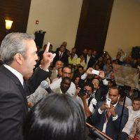 """Luis Abinader: Crisis actual es culpa de sectores """"enfermos con el poder"""""""