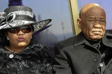 Primer ministro de Lesoto evita vista sobre acusación de asesinar a su esposa