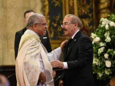 Iglesia Católica llama a líderes políticos a firmar compromiso