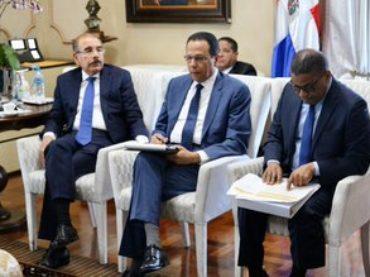 Presidente Danilo Medina da seguimiento al Plan de Edificaciones Escolares que ha transformado RD