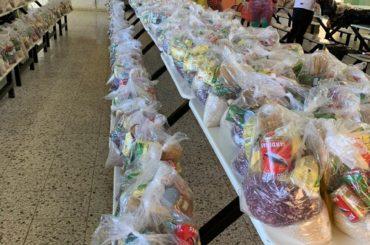 Ministerio de Educación continua entrega de alimentos a estudiantes del sistema público; distribución aumenta a dos kits para 14 días en casa