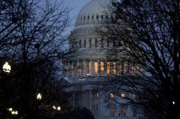 El Senado de EEUU aprobó el plan de ayuda billonario por la pandemia de coronavirus