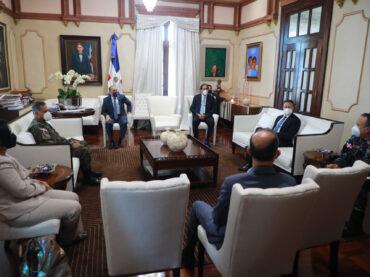 VIDEO:Danilo Medina encabeza reunión de evaluación cumplimiento protocolos en primera fase desescalada