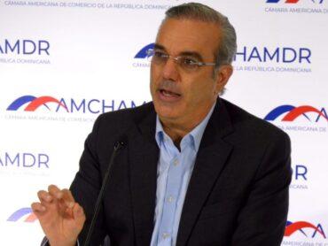 Abinader presenta a la Cámara Americana de Comercio plan para recuperar el crecimiento económico y social