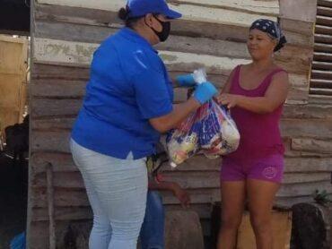 Gobernadora Ana María Domínguez y el Plan Social llevan operativos a 216 comunidades de Santiago.