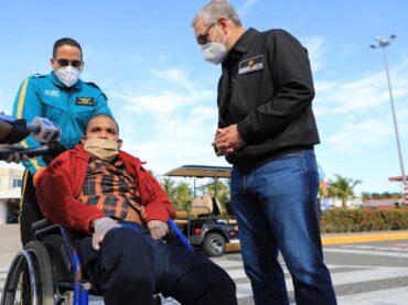 GONZALO CASTILLO CUMPLE DESEO DE REGRESAR A RD DE ISABELA TEJADA ENFERMA DE CÁNCER DE MAMA Y A 8 DOMINICANOS MÁS EN SITUACIÓN VULNERABLE VARADOS EN CHILE